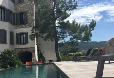 Chambres d 39 h tes en provence mas avec piscine en vaucluse for Maison hote methamis