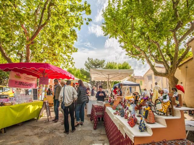 Bauernmarkt in Saint Martin de La Brasque ©Droits Gérés Vincent Agnès