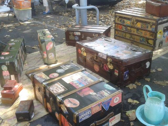 Marché aux puces et à la brocante ©Droits libres Office de Tourisme de Carpentras