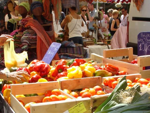 Weekly market ©OTI Ventoux Sud