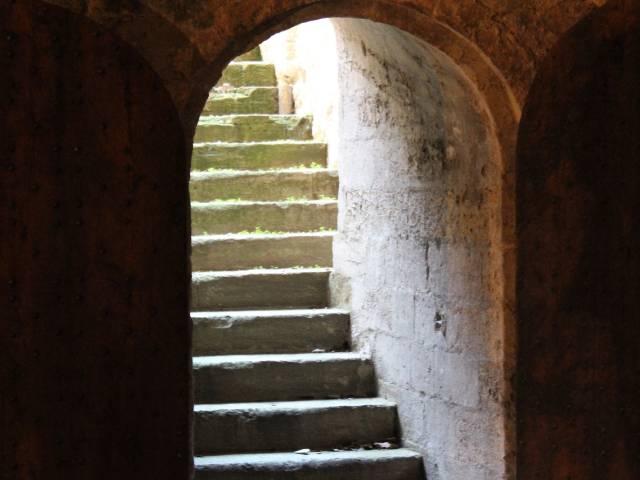 Le Palais des papes : côté obscur ©©France Olliver - Avignon Tourisme