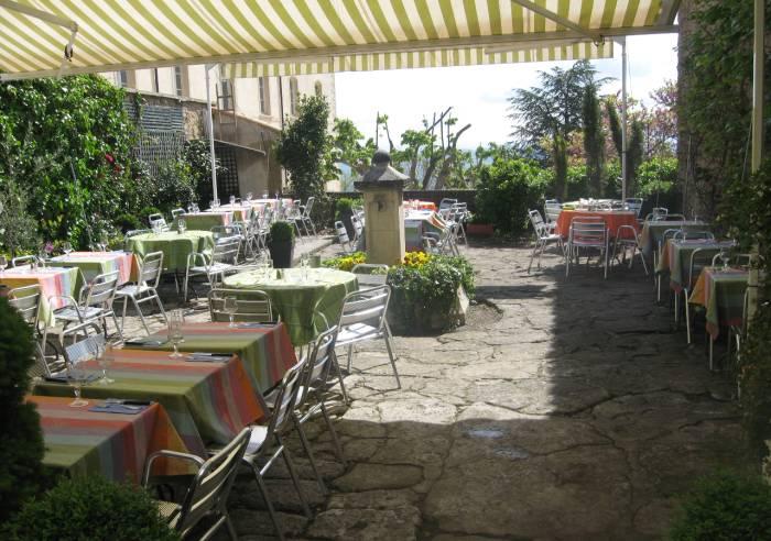 Le jardin restaurant gordes restaurant vaucluse en for Au jardin les amis menu