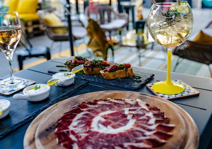 Restaurant hibiscus restaurant carpentras vaucluse for Restaurant caromb