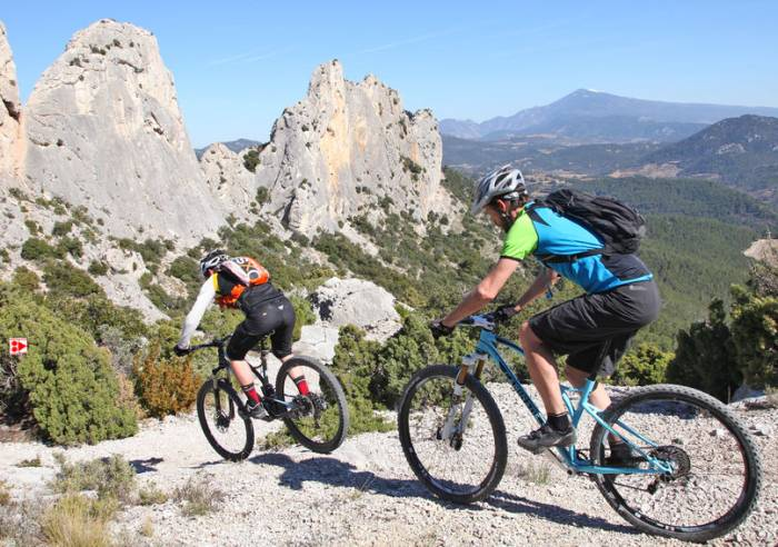 Long Distance Mountain Bike Trail, Stage 2 – From Malaucène to Bedoin