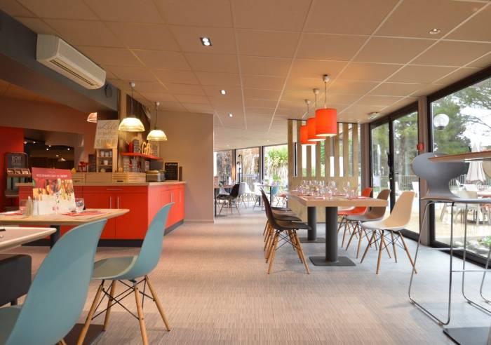 H tel ibis avignon sud h tel restaurant avignon for Hotel avignon piscine
