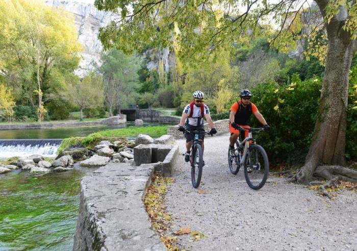 Long Distance Mountain Bike Trail, Stage 6 – From Fontaine-de-Vaucluse to Mérindol
