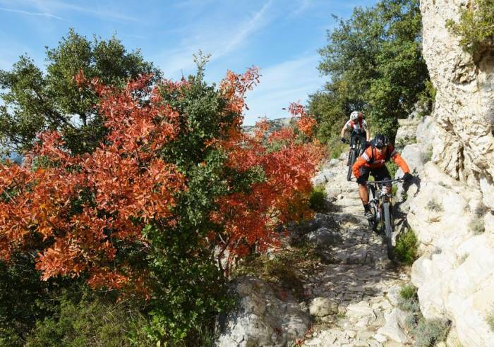 Long Distance Mountain Bike Trail, Stage 9 – From Lauris to Mérindol