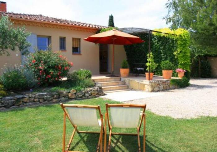 Le jardin de la bastide furnished accommodation and for Bastide au jardin secret