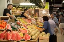 The indoor market in Avignon