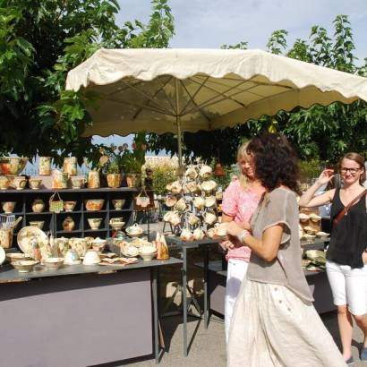 Potters Market at Crillon Le Brave