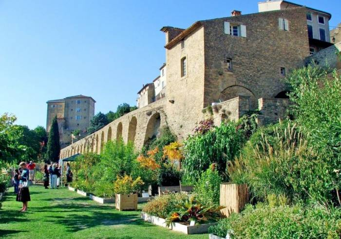A holiday in a village of Provence: Roussillon, Vaison la Romaine