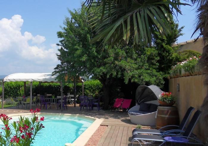 Le jardin d 39 ivana bed and breakfast opp de luberon for Le jardin high wine