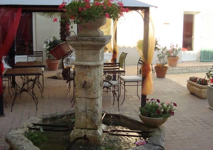 Hotel - Restaurant - Pertuis - Luberon - Inter-hotel Le Village Proven U00e7al