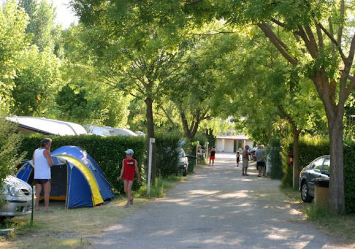 Camping Municipal Coucourelle  Camping  PernesLesFontaines