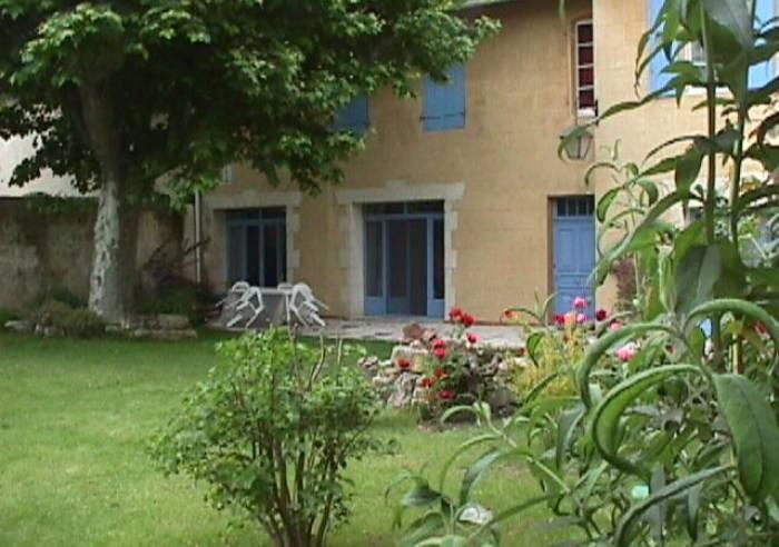 Clos saint pierre de fraisse chambre d 39 h tes bed and breakfast avignon vaucluse in provence - Chambre des metiers st pierre ...
