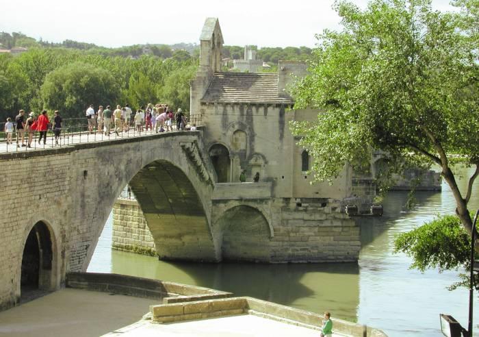 Avignon Bridge - Pont Saint Benezet