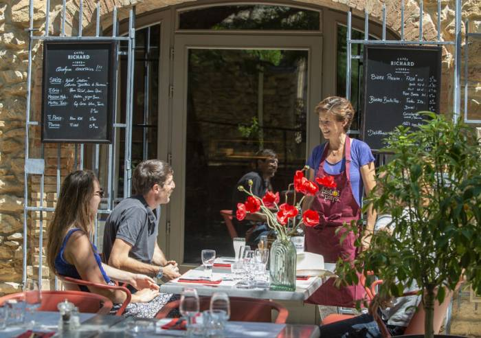 Les Acacias Restaurant
