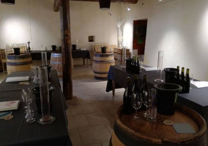 Wine-maker for a day - Wine blending classes at Château Maucoil