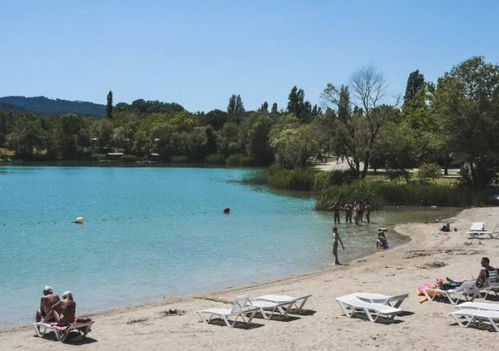 Lake at the Camping Val de Durance