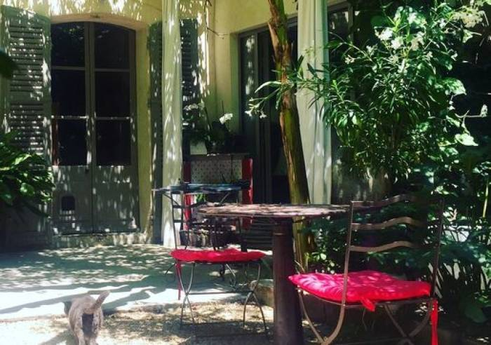 Les jardins de baracane chambre d 39 h tes chambre d for Chambre d hote de charme avignon