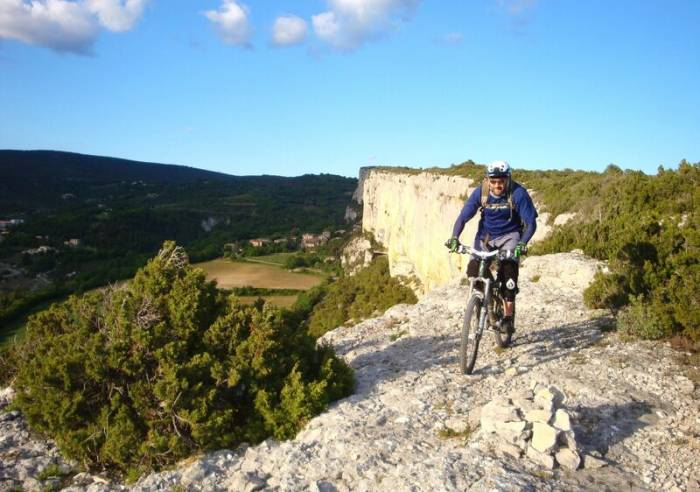 Long Distance Mountain Bike Trail, Stage 5 – From Saint-Saturnin-les-Apt to Fontaine-de-Vaucluse