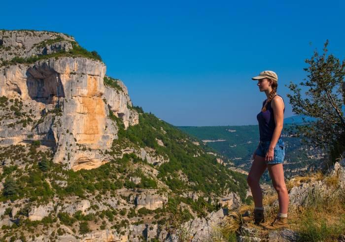 Randonnée pédestre dans les Gorges de la Nesque