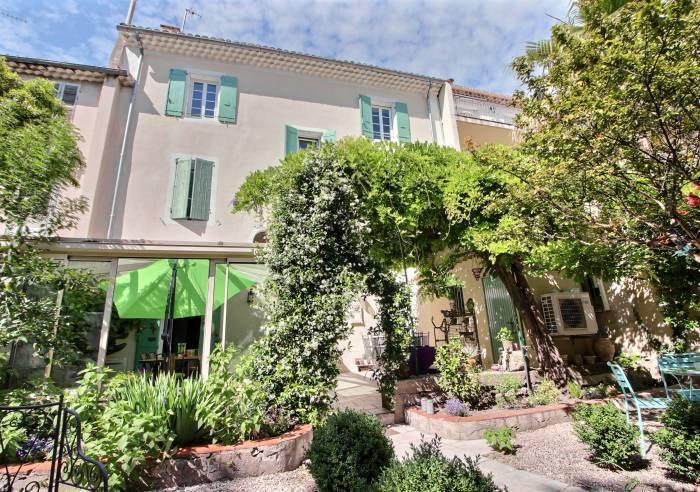 Chambres d\'hotes à Orange, hébergement en Vaucluse, Provence
