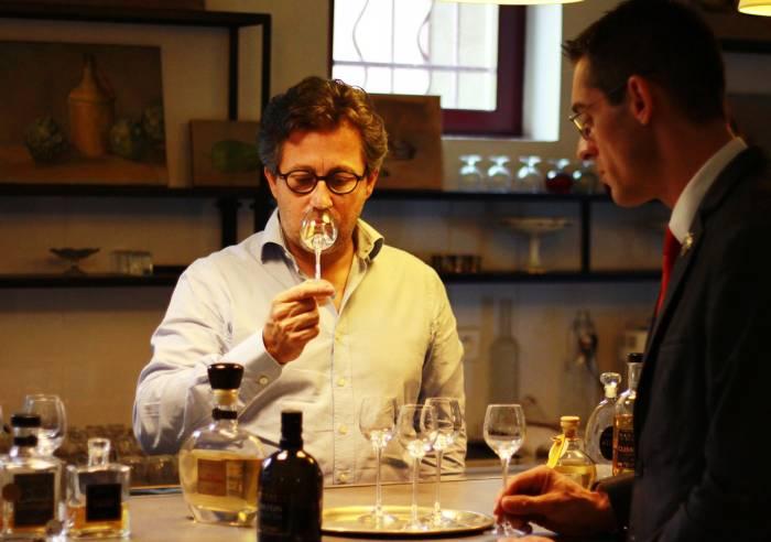 Visite guidée de la distillerie Maison Manguin