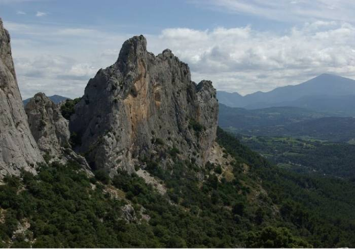 Circuit de randonnée - Dentelles de Montmirail - La tour sarrasine
