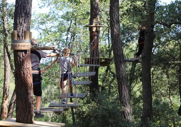 """Parcours aventure dans les arbres """"Ventoux Aventure"""""""