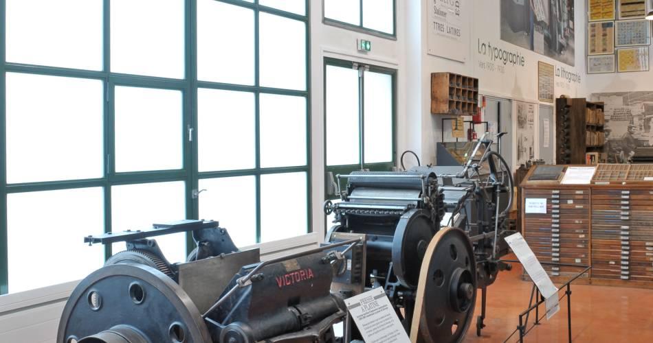 Cardboard and printing Museum@Conseil départemental du Vaucluse