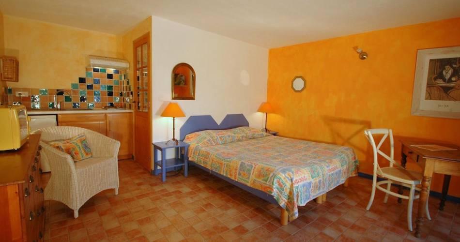 Chambres d'Hôtes La Tuilière en Luberon@Droits gérés Didier Borgarino