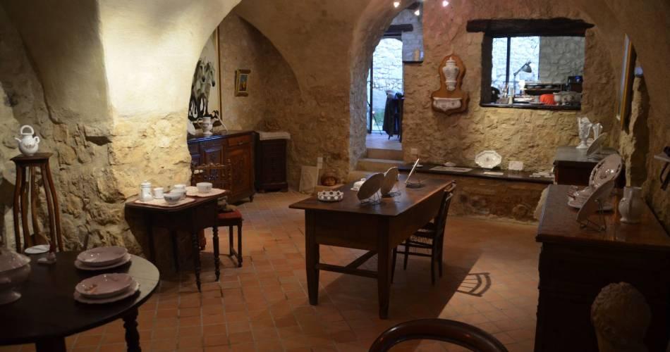 Atelier Nicole de La Bastide - Faïences@Droits gérés OT LUB - Nicole de la Bastide; bastide des jourdans; poterie; faïence