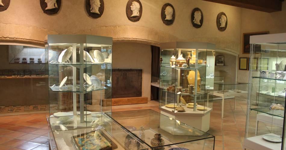 Musée des Faïences@Droits gérés OT Lub - musée, faïences, la tour d'Aigues, Luberon, chateau