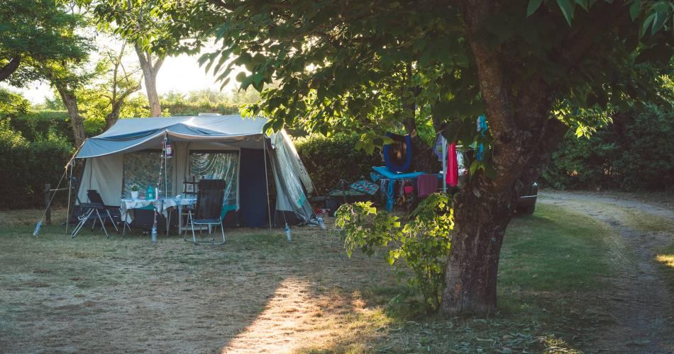 Camping les Chênes Verts@Droits Gérés OT LUB