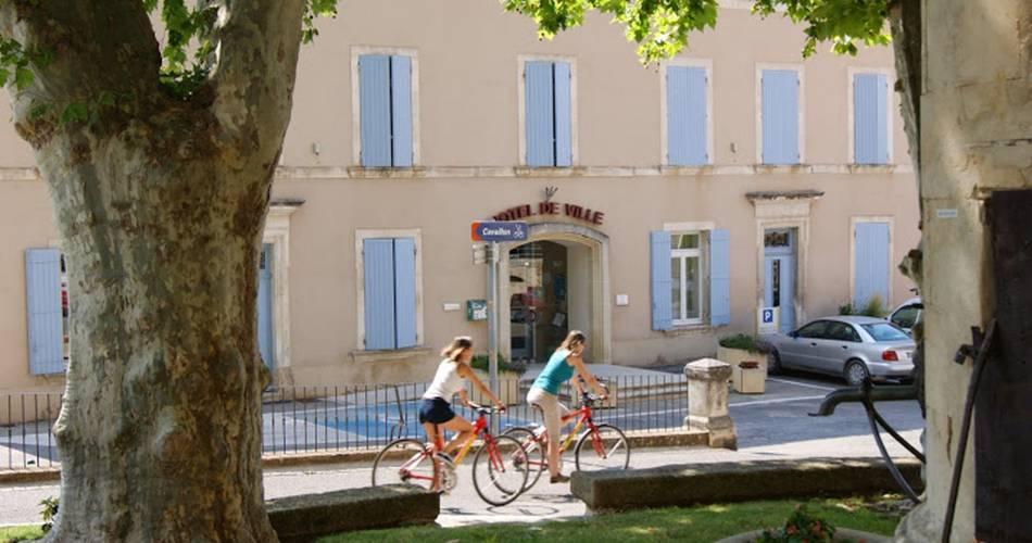 Boucle découverte à vélo : de Vitrolles en Luberon à la Bastide des Jourdans@Droits gérés OT LUB - Boucle, découverte, Vitrolles en Luberon, la Bastide des Jourdans.