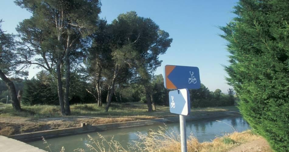 Boucle découverte à vélo : de Vitrolles en Luberon à Peypin d'Aigues@Droits gérés OT LUB - Boucle, découverte, vélo, Vitrolles en Luberon, Peypin d'Aigues.