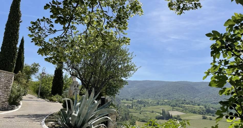 Le village de Méthamis@Droits gérés Alain Hocquel - Coll.CDT Vaucluse