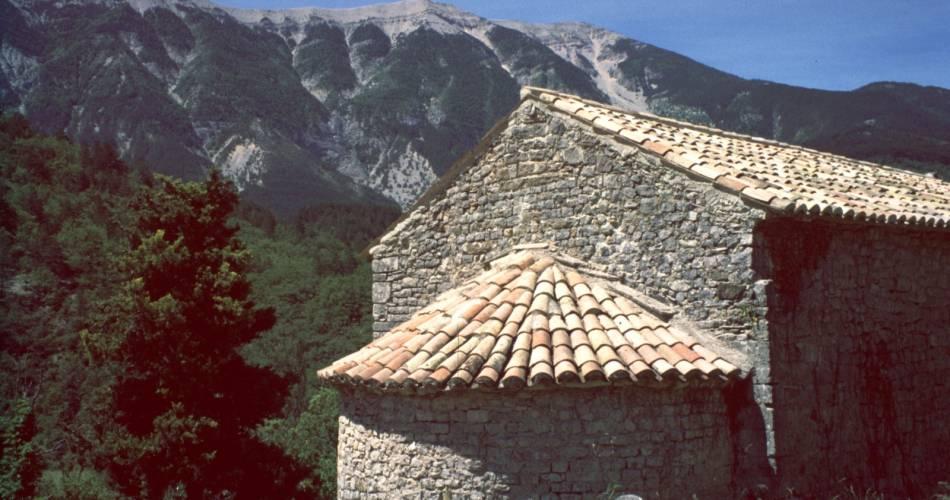 Discovery itinerary - chapels from Beaumont-du-Ventoux@Droits gérés MP. Julien / Collec. ADT