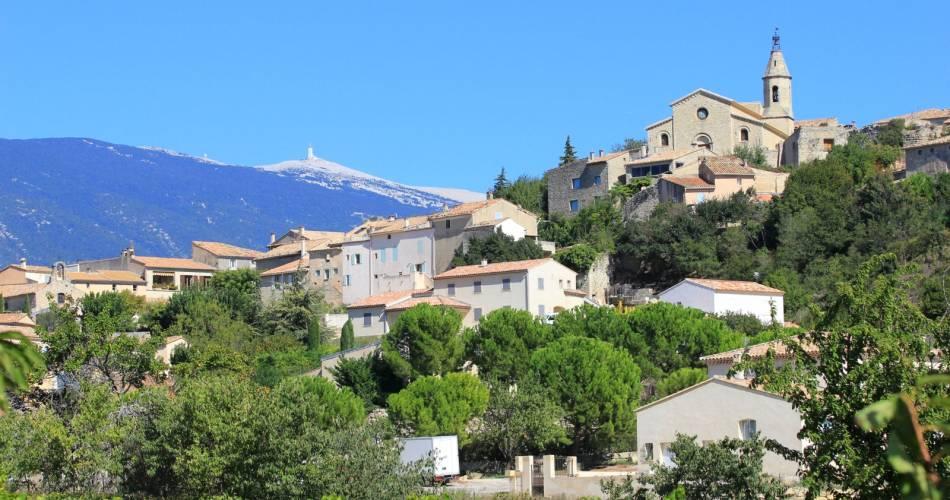 Le village de Crillon-le-Brave@Droits gérés A. Hocquel / Coll. ADT