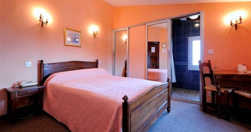 Hôtel Restaurant Les Géraniums@VAUCLUSE