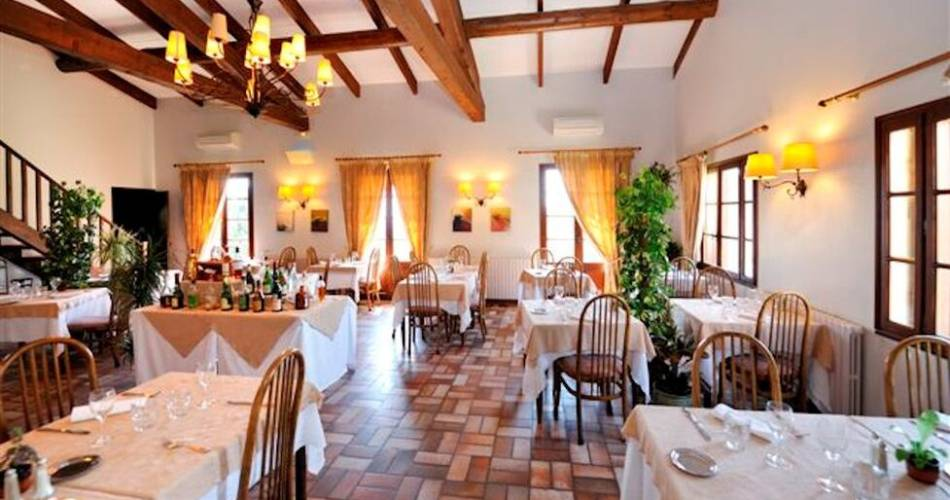 Les Géraniums Hotel & Restaurant@Droits gérés Huw AWADA