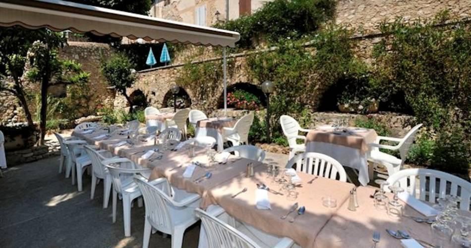 Hôtel Restaurant Les Géraniums@Droits gérés Huw AWADA