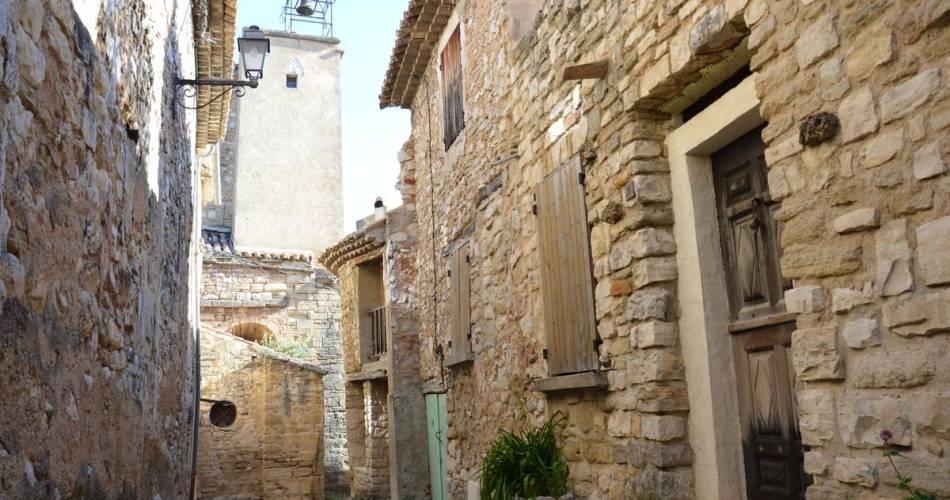 Le village du Barroux@S.Magne Ventoux Provence