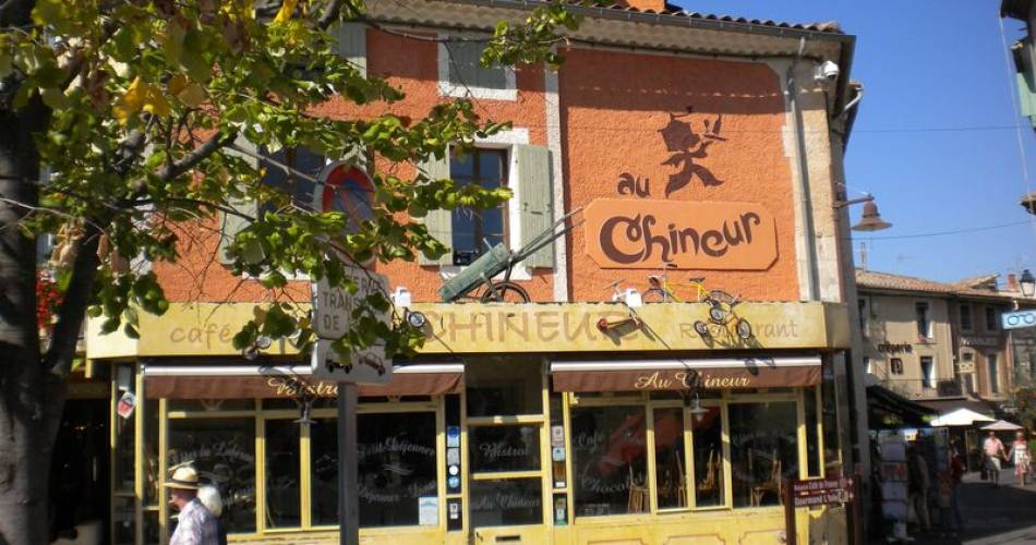 Au Chineur@Droits gérés OTI - Restaurant ; Isle sur la Sorgue