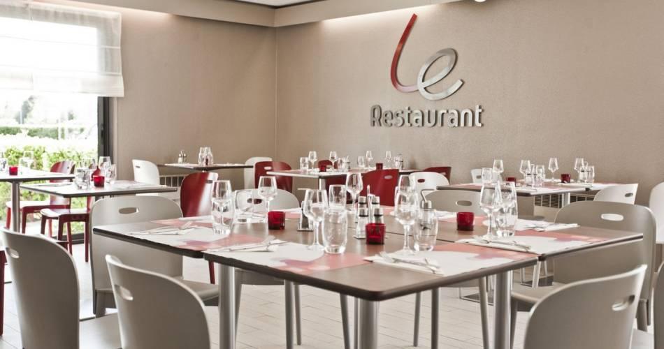 Hôtel Restaurant Campanile Avignon Sud@©gregorydhulster