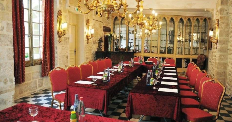 Hôtel Restaurant du Palais des Papes and Restaurant le Lutrin@Coll. Palais des Papes