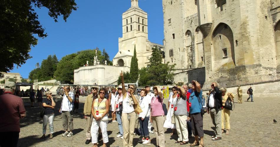 Service Groupes Réceptif – guides Avignon et Provence@Droits libres Philippe Bar - Coll. OT Avignon