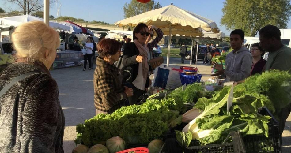 Abendlicher Erzeugermarkt in Avignon@©Laureline Lucas - Avignon Tourisme