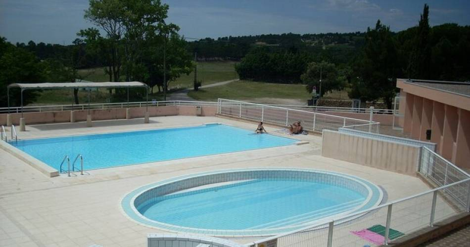 Outdoor public swimming-pool@Mairie de Bedoin